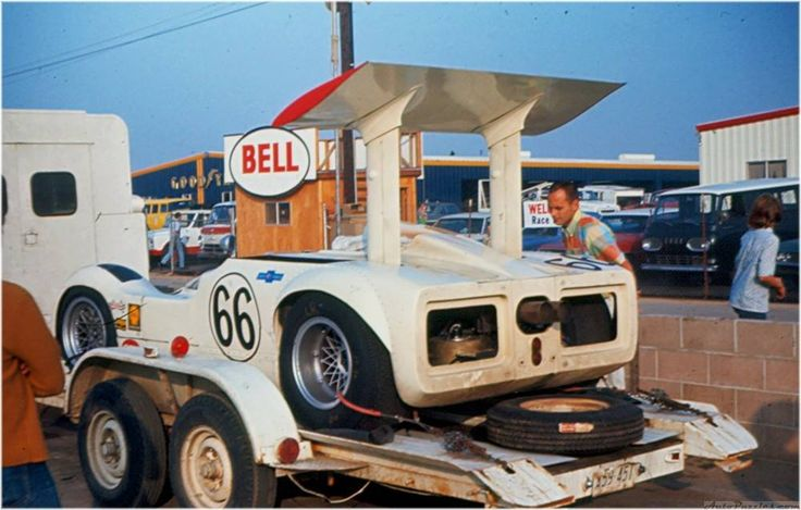 .Love how this is on an open trailer. Wish we still did that in American short track racing.