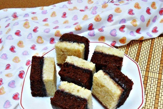Retete Culinare - Prajitura in 2 culori (de post)