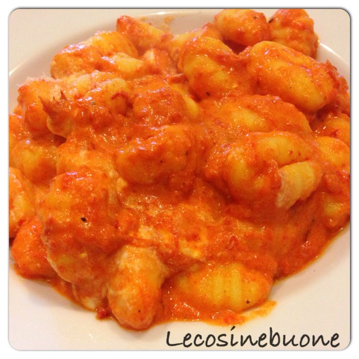 Gnocchi di patate con salsa di peperone rosso e ricotta www.lecosinebuone.ifood.it