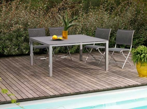 table de jardin en aluminium et textil ne gris b ton. Black Bedroom Furniture Sets. Home Design Ideas