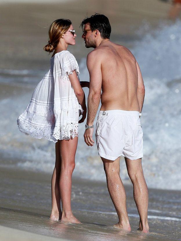 ビーチウェアはお揃いがいいね!|オリヴィア・パレルモ(Olivia Palermo)のビーチスタイル