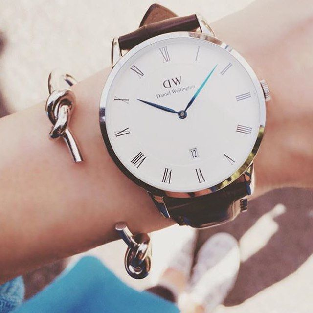 Daniel Wellington DW watch, silver. For a 15% discount go to https://www.danielwellington.com/au/cseddon (Photo via @j.chika) #danielwellington