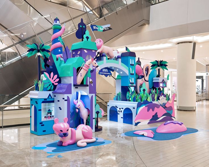 Illustrations for a summer campaign for Lotte World Mall, the biggest shopping centre in Seoul, Korea.Production, display design and animation by TIST. 2016 / Lotte World Mall