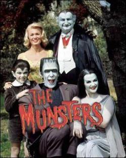 La familia Monster.  Otra de esas series que aún hoy me despierta una sonrisa al recordarla. Inolvidable la melodía de la cabecera