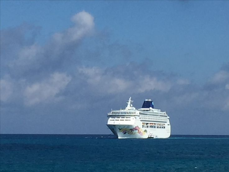 Norwegian Sky at Great Stirrup  Cay island