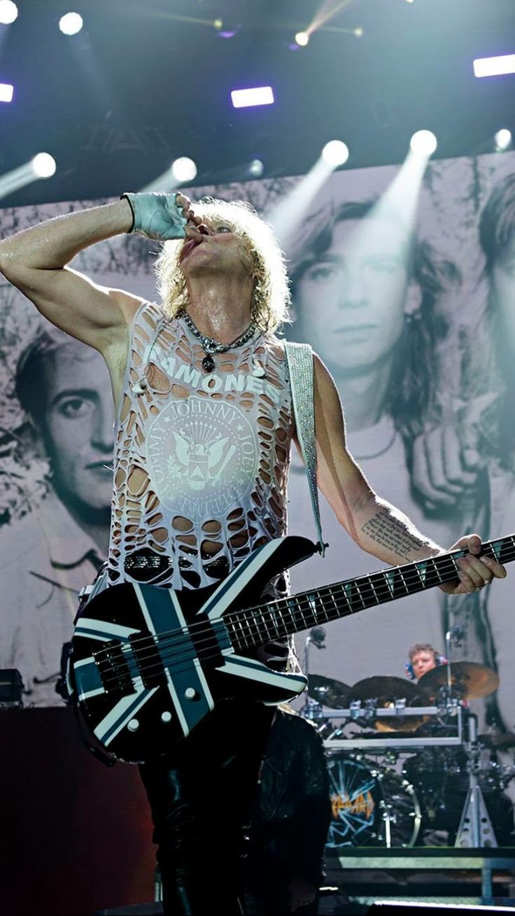 SAV SEXY I'Ve ever seen. FB Photo Leppards Page                                RocketHelen>>Leppard Lovers