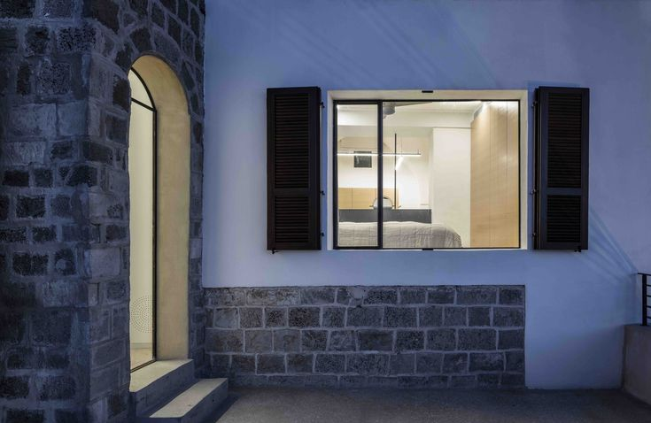 Gallery of Modern Cave / Pitsou Kedem Architects - 10