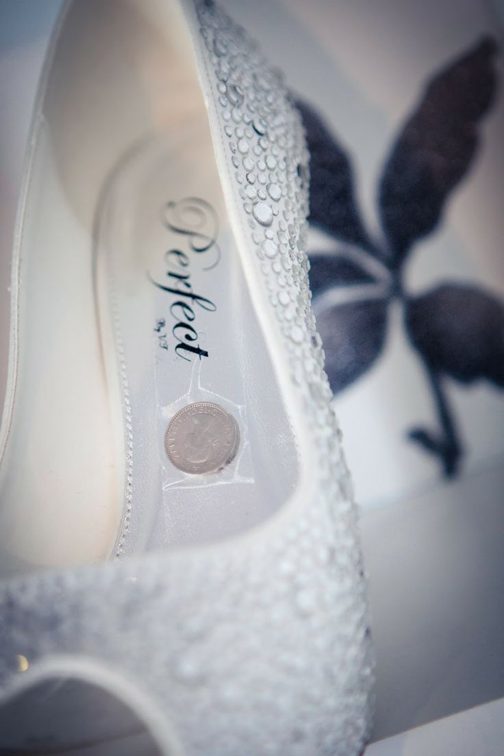 how to put a sixpence in your shoe