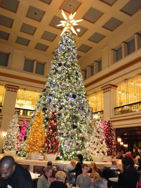 41 best Marshall, Macy's, Fields Walnut Room Christmas Tree images ...