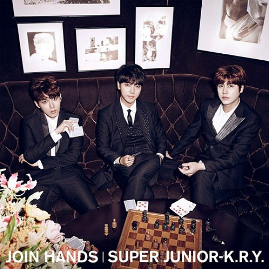 Super-Junior-K.R.Y.-JOIN-HANDS
