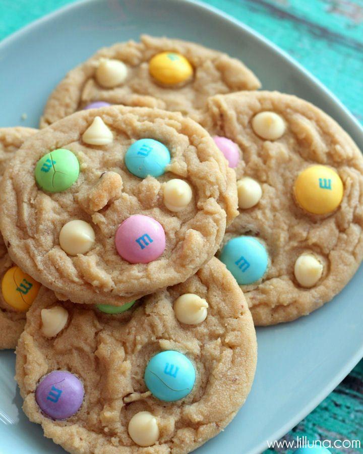 White Chocolate M&M Cookies - so delicious. { lilluna.com }