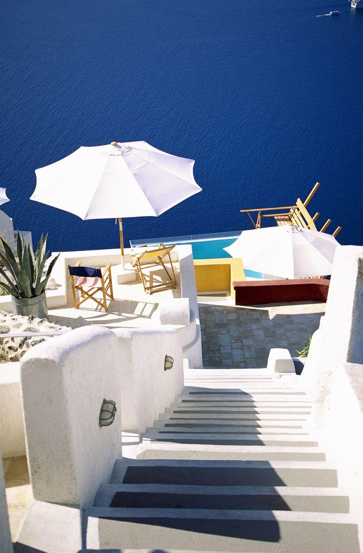Loman aikana tulee vierailtua paikoissa, joihin ihastuu ensi silmäyksellä. Mitkä ovat Santorinin parhaat? Kohdeoppaamme Annika listasi blogissaan Santorinin kohokohtia. #Aurinkomatkat #Santorini #Kreikka #matkablogi