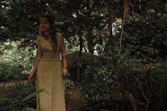 Sacerdotisa vestido largo sin mangas estilo americano nativo