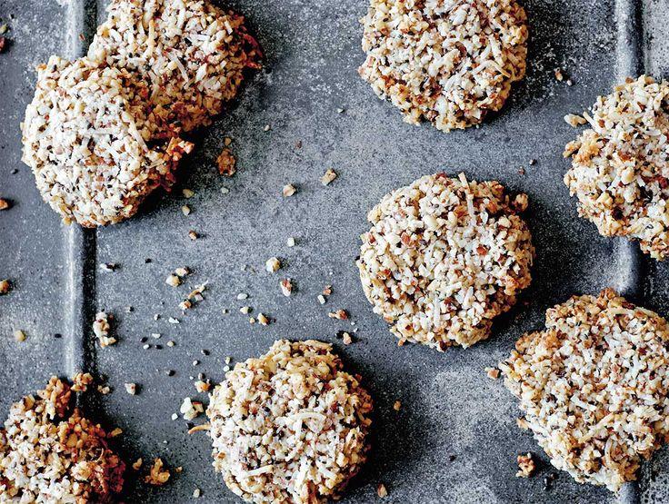 Almond & chia cookies