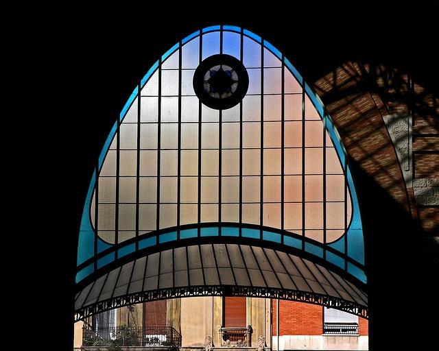 art nouveaux market door, in Valencia