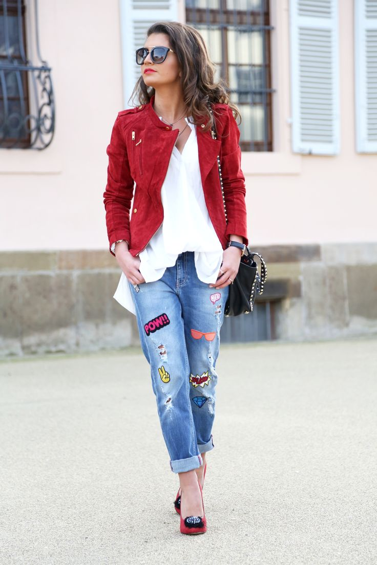 Rote lederjacke outfit
