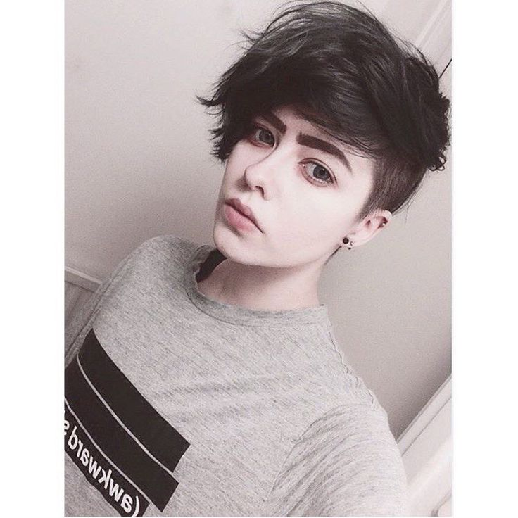 Androgynous Haircuts: 11 Gender-Neutral Hair Ideas and ...