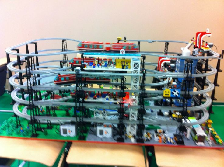 LEGO NXT monorail - LIPNO 2013 exhibition - Technic day