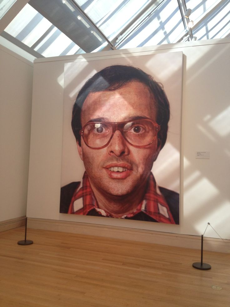 biography of the american photorealist painter chuck close Chuck close biography american artist chuck close is best known for his photorealist and monumental portraits with wonderful color, the portraits expose new things when viewed from close up and afar chuck close's biography often focuses on his disabilities and how he overcame them to continue creating his masterpieces.