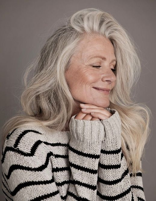 How stunning is Danish model Pia Gronning? I love that she owns her grey hair. So many women refuse to go grey, but Pia's loose waves go to show just how great it can be to embrace it.