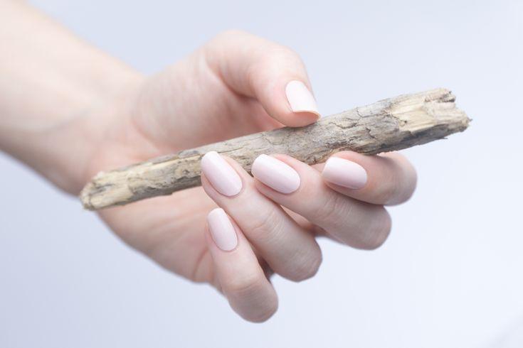 Der trendige Ever Nude verleiht Ihren Nägeln sofort eine edle Note – minimal …