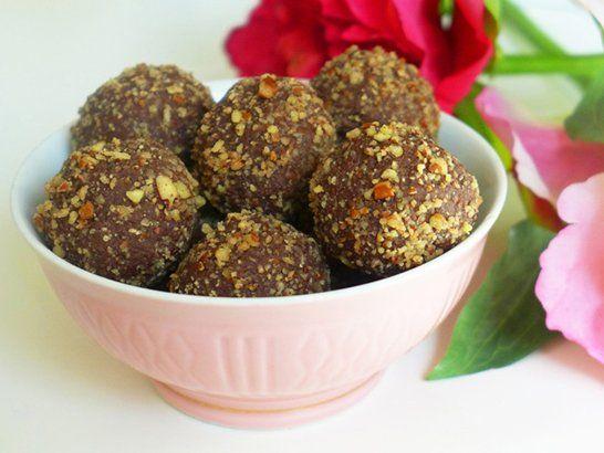 Chocolate Truffles with Pecans - QueRicaVida.com