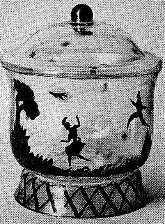 Deckeldose, um 1917Farbloses glas, bemalung in schwarzlot ,  Johann Oertel§co.,Haida