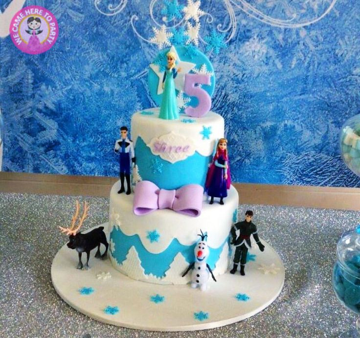 Frozen Winter Wonderland cake *Repin to your own inspiration board