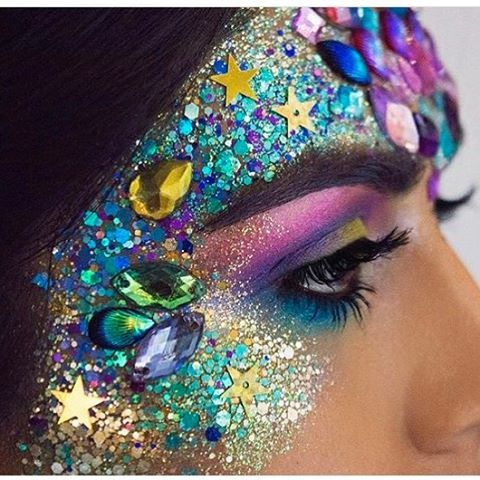 "19 Likes, 3 Comments - Best Festival Makeup! ✌️ (@festival_makeup) on Instagram: ""Found this at @shineshack Instagram so beautiful pls tag the artist mermaid vibes!!! Perfect for…"""