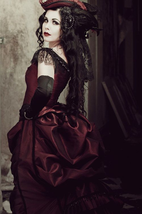 Victorian Steampunk Gothic Bustle Dress with Train ~ Vampire Ball Masquerade Alternative Halloween Wedding Gown ~ 19 century Period Dress