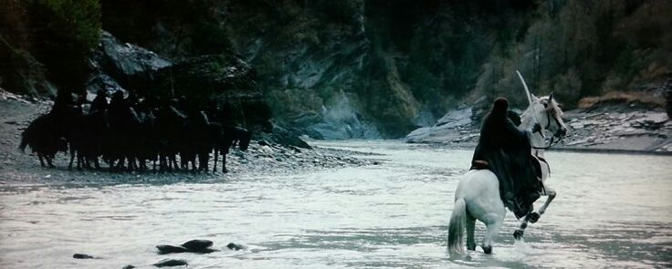 Lord of the Rings: Arwen and the Ringwraiths