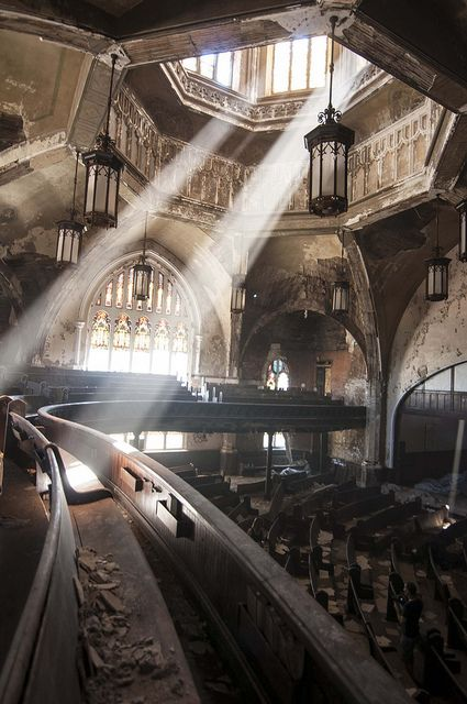 Why are such wonderful places left and forgotten? St. Curvy / Woodward Avenue Presbyterian Church in Detroit, Michigan.
