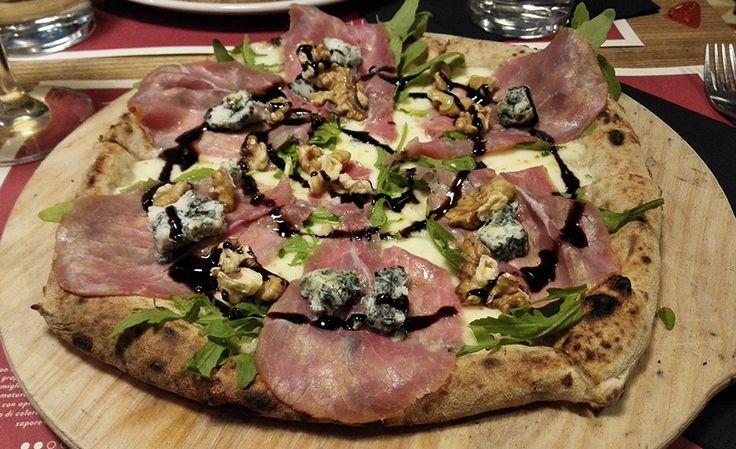 """La pizza della domenica al Nord? Ezio Ponari è andato da Lievità e suggerisce la """"Carpaccio"""" http://www.ditestaedigola.com/pizza-carpaccio-lievita/"""