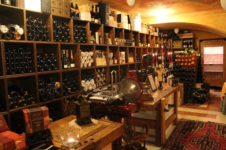 la cantina dei vini bianchi