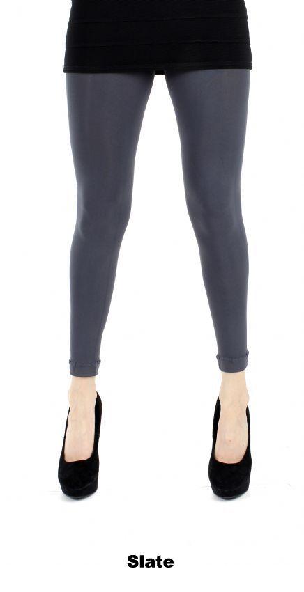 Slate 50 denier legging van Pamela Mann. Ook wel voetloze panty. Transparant tot de tailleband, geen broekje. Heel lichte glans. Legging voelt zacht aan. Echt 'grijze' kleur op de been als je hem draagt. Kleur: slate. Maat: One size