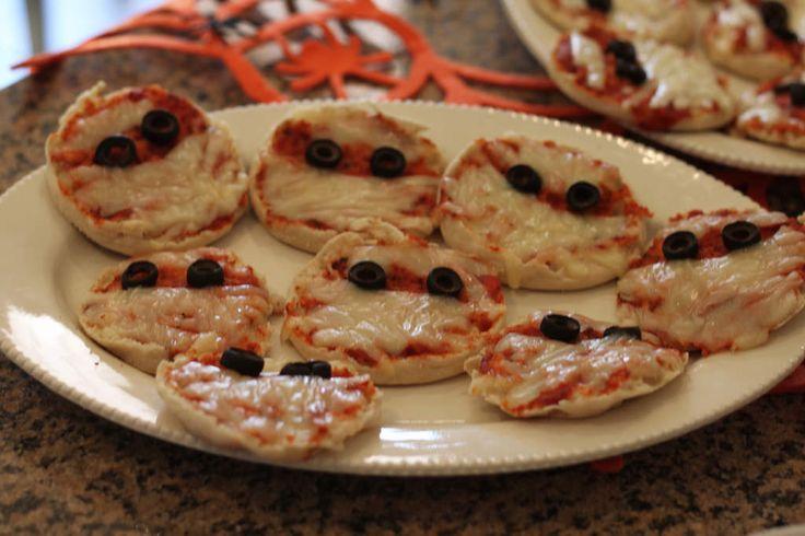 Pizzette Mummia | Menù di Halloween | Ricette Lorenzo Vinci