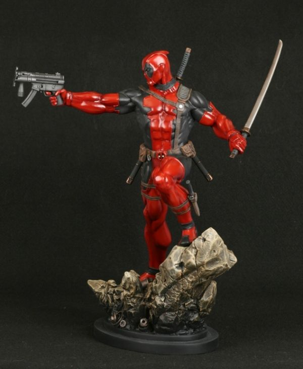 Deadpool Bugle: Bowen Designs Deadpool Statue  Oh gods I want this so much! ;3;