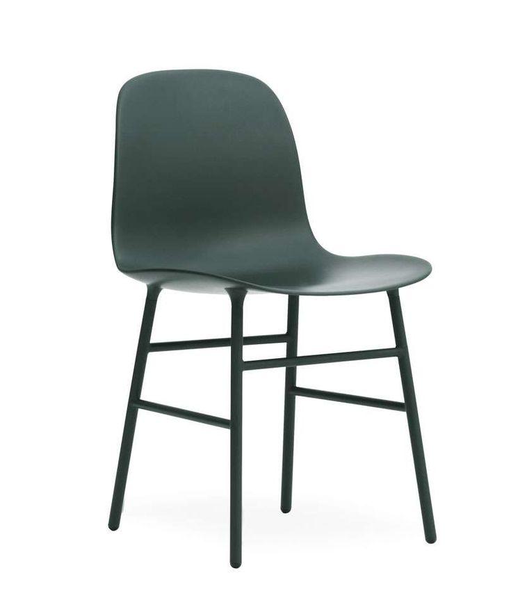 Bitte beachten Sie: Sie erhalten hier ein Ausstellungsstück mit Kratzern an einem Fuß aus unserer Ausstellung zu einem besonders attraktiven Preis! Der Normann Copenhagen Form Stuhl in wunderschön dezentem, skandinavischen Design...