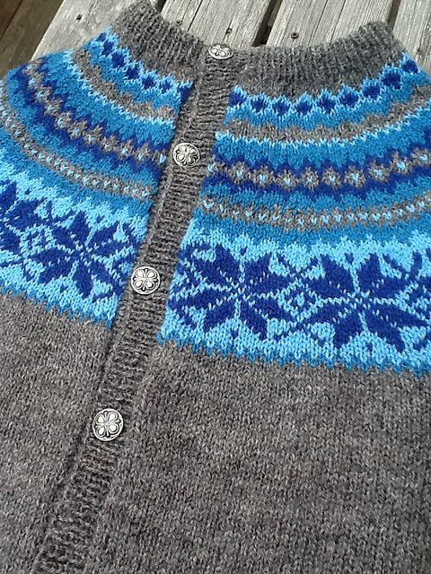 Ravelry: hellemyrvik's Nancy-kofte blue/grey