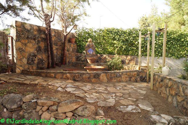 9 best muros de piedras images on pinterest landscaping - Disenos de jardines con piedras ...
