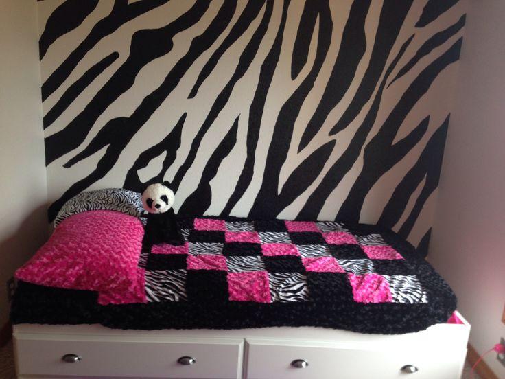 69 best images about teen bedroom ideas on pinterest for Girl zebra bedroom ideas