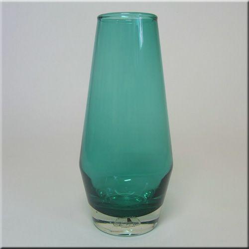 Riihimäen Lasi Oy / Riihimaki turquoise glass vase, labelled.