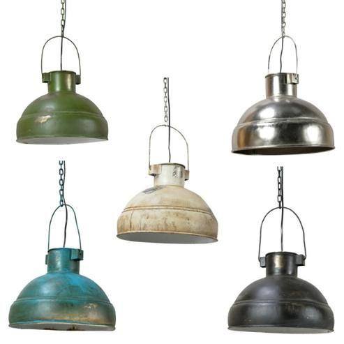 http://www.moebelhaushamburg.de/produkte/industrial-chic/industrielle-deckenlampe-in-verschiedenen-farben-aus-eisen-965192