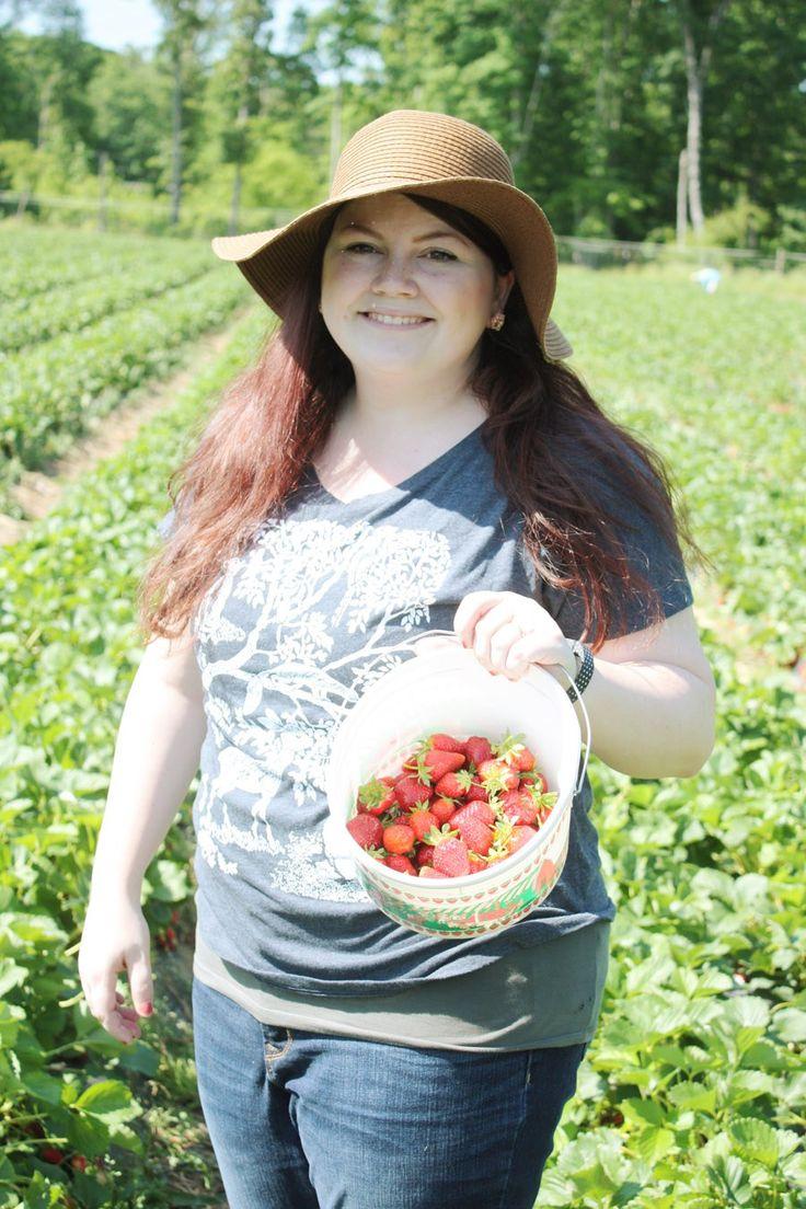 We went strawberry picking!  |  via The Spirited Violet