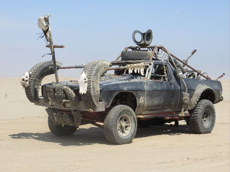 I like the tire fender skirts. Wonder if this is from Wasteland Weekend?