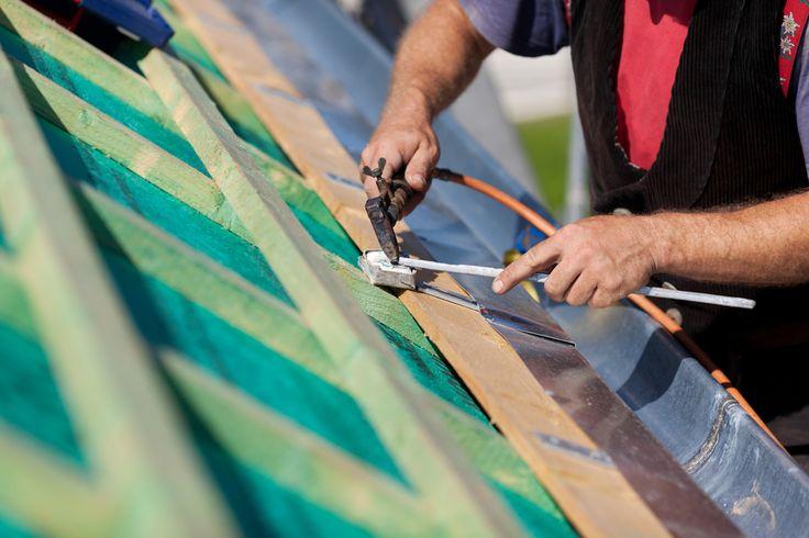 Cómo colocar un canalón de pvc en el tejado | Blog de Habitissimo