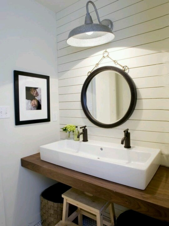 Floating sink and large industrial wall light