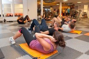 Train je buikspieren tijdens de buikspierkwartiertjes. In 15 minuten een volledige workout voor je hele sixpack!