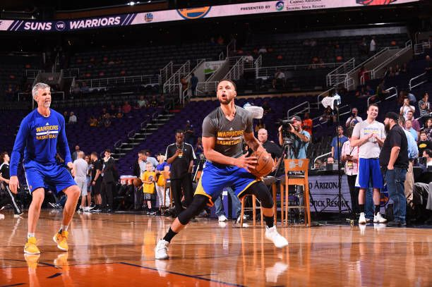 Stephen Curry of the Golden State Warriors warms up before a game against the Phoenix Suns on April 5 2017 at Talking Stick Resort Arena in Phoenix...