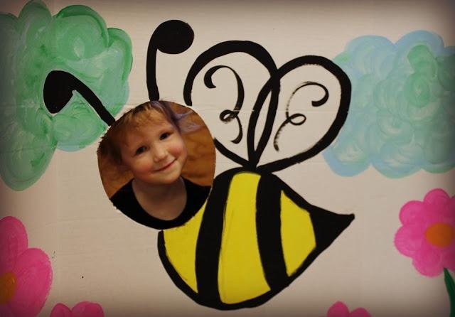 Classroom Rainbow Ideas ~ Bumble bee cutout photo booth sandy s st